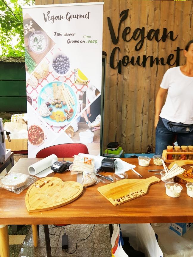 Vegan Gourmet brănzici vegane caju fără soia fără aditivi fără conservanți