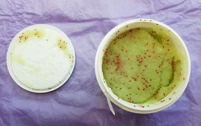 Exfoliant vegan pentru corp cu Cranberry și Lime de la Bomb Cosmetics yankee land
