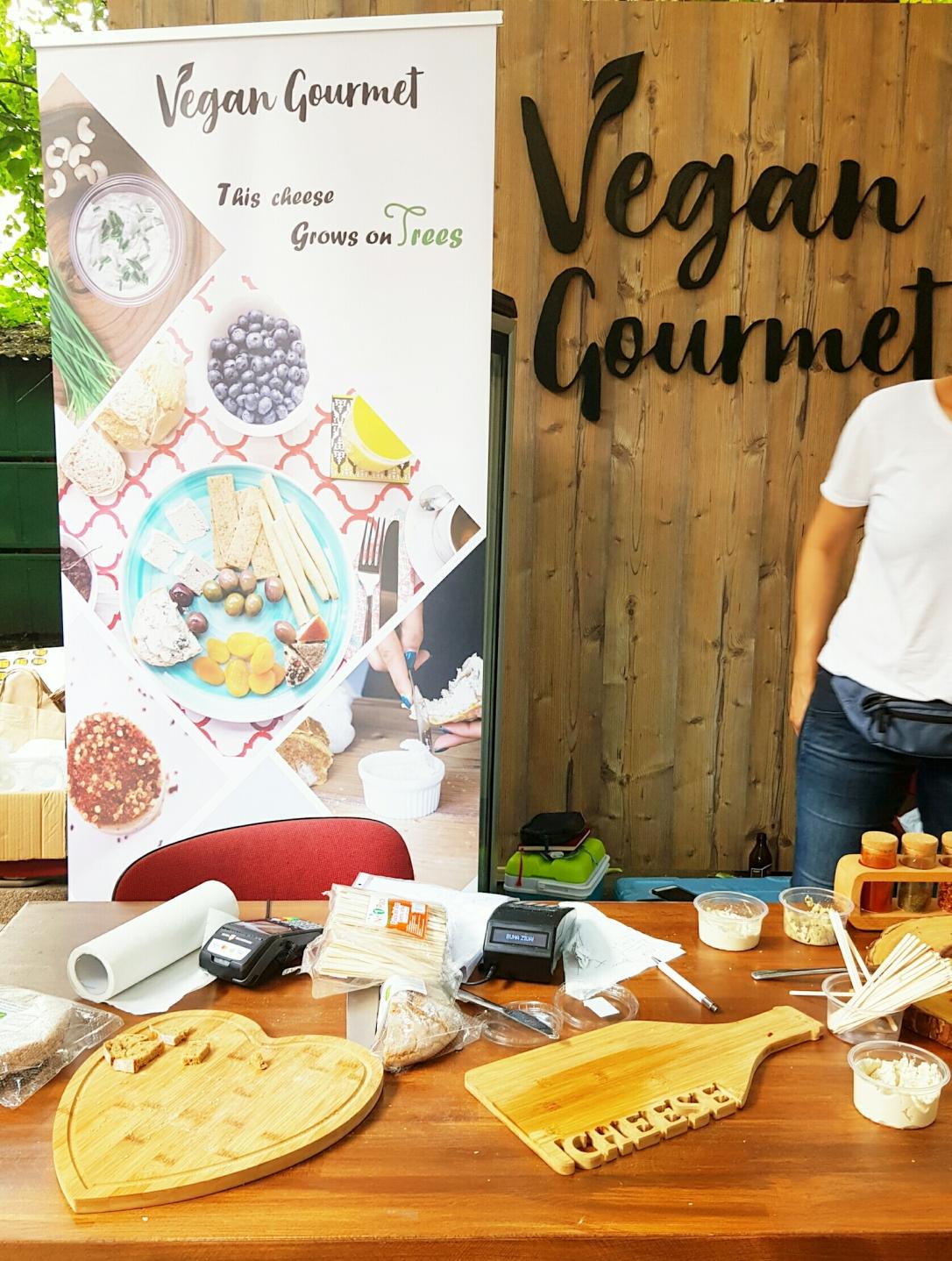 Vegan Gourmet vegan cruelty-free nuci de caju brânză vegană din caju