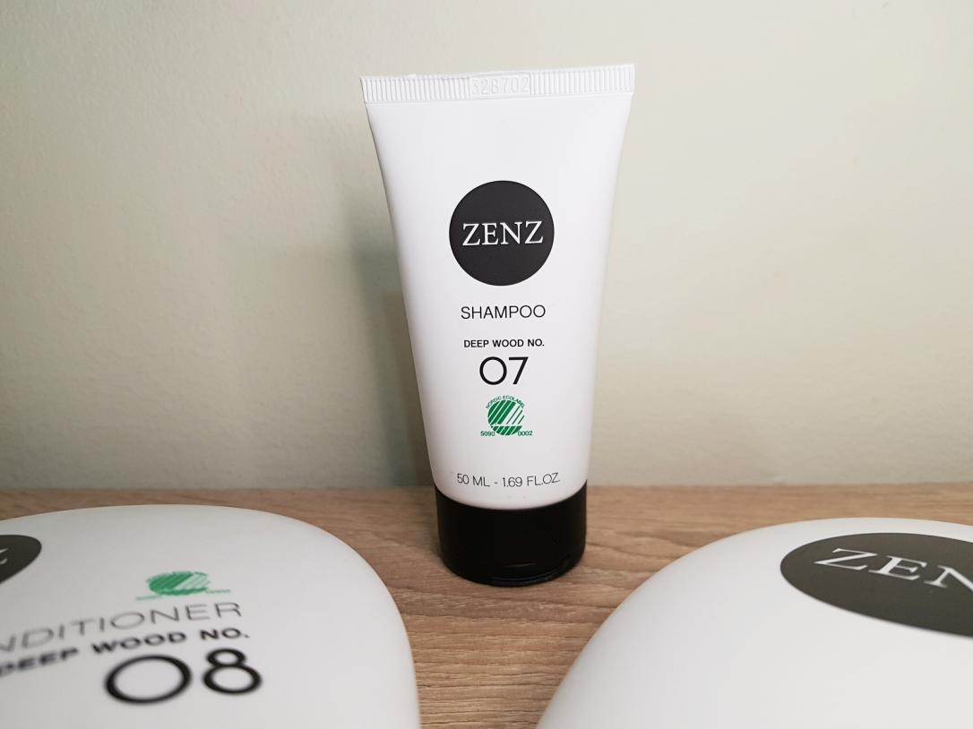 Zenz Organic, i+m Naturkosmetik Berlin, vegan, cruelty-free, Glanz, balance, volum, strălucire, deep wood, eucalipt, sampon, balsam, narah, organic